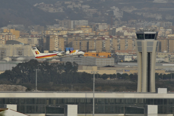 Air_nostrum_bombardier_dash_8315_01